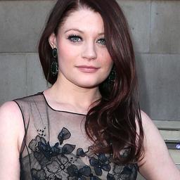 Lost-actrice Emilie de Ravin zwanger