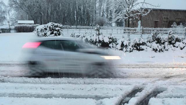 KNMI waarschuwt voor gladheid door sneeuw in delen van het land