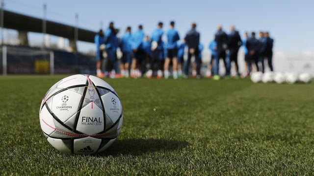 Real Madrid begint training met minuut stilte voor Cruijff