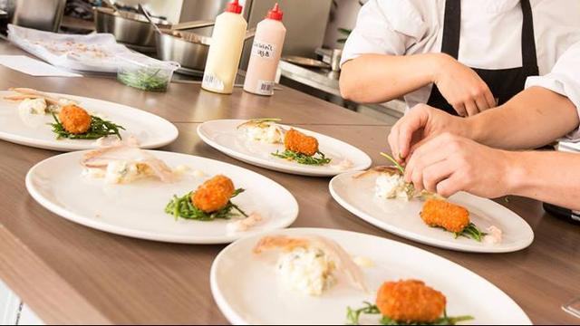 The Young Beethoven en de Coronas treden op bij Culinair Alphen