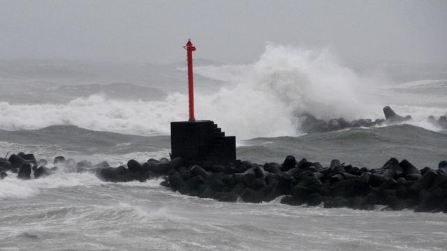 Tyfoon Malakas trekt door Japan in richting van Tokio