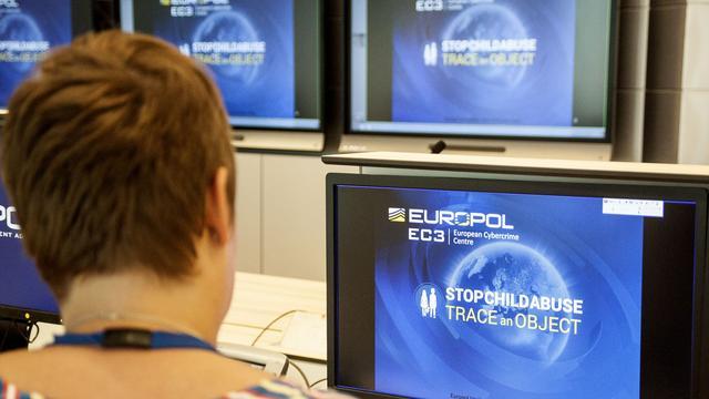 Europol deelt afbeeldingen van objecten uit foto's kindermisbruik