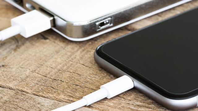 NVWA verbiedt verkoop 24 USB-laders om veiligheidsredenen