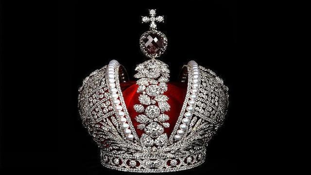 Tsarenkroon met 11.000 diamanten maandag naar Amsterdam