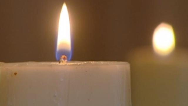 Zeker honderd mensen bij begrafenis gevonden baby Sloterplas