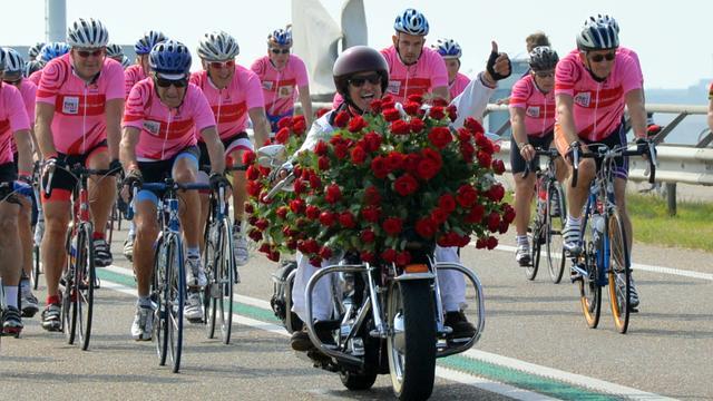 Inwoners Borsele fietsen warm voor Ride for the Roses