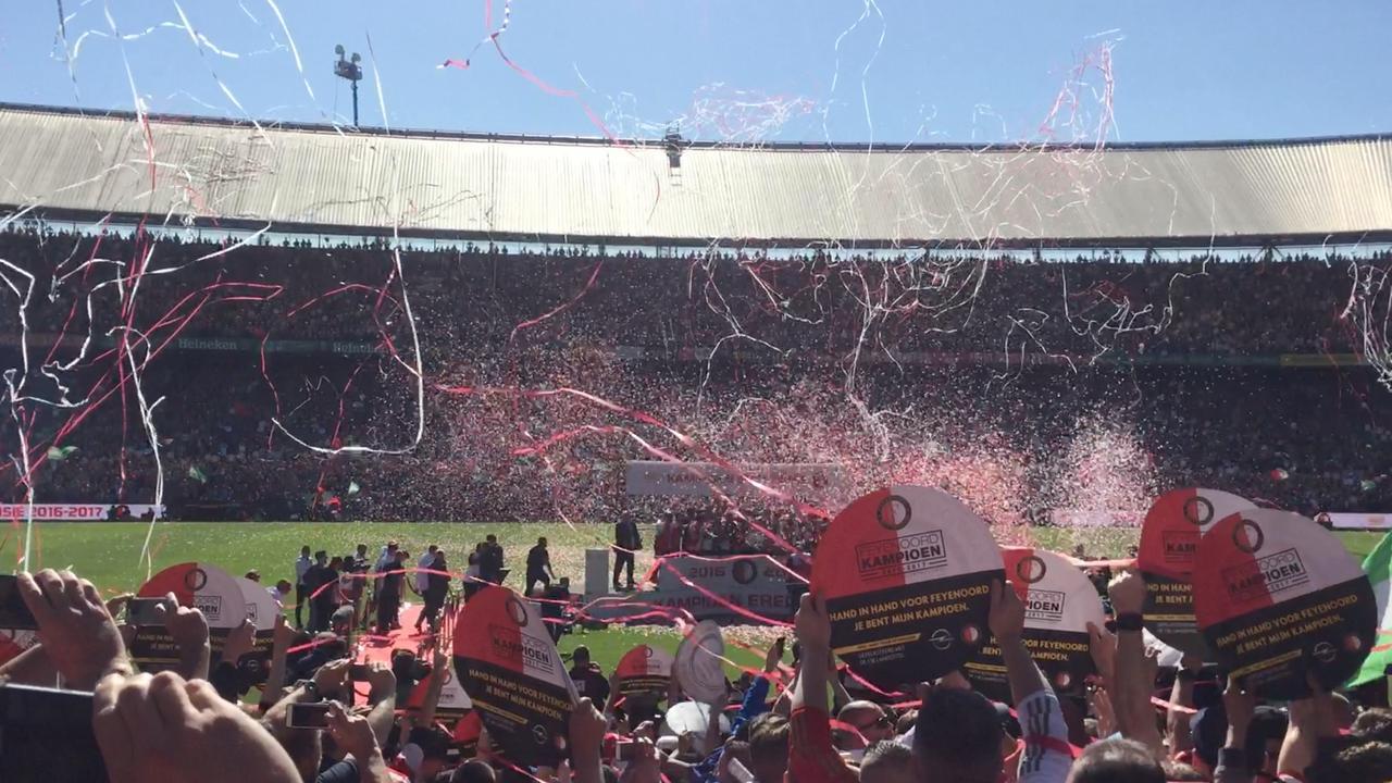 Uitzinnige Kuip vlak na behalen kampioenschap Feyenoord