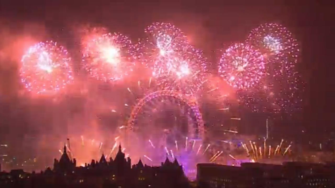 2017 wereldwijd ingeluid met vuurwerkshows