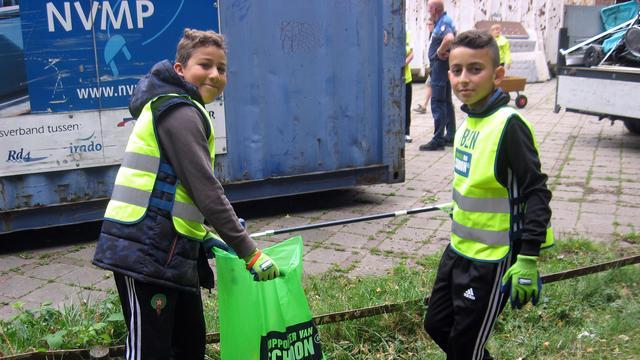 Honderden Roosendalers doen mee aan schoonmaakactie