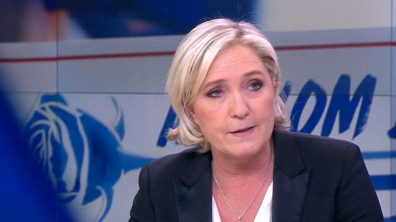 Le Pen legt voorzitterschap Front National neer in televisie-interview