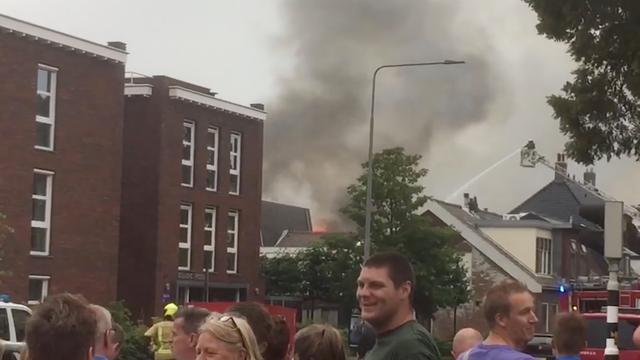 Woningen ontruimd door grote brand Sassenheim