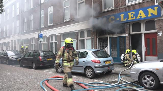 Grote brand na explosie in pand Rotterdam