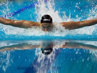Talent zwemt 23,52 op 50 meter vlinderslag