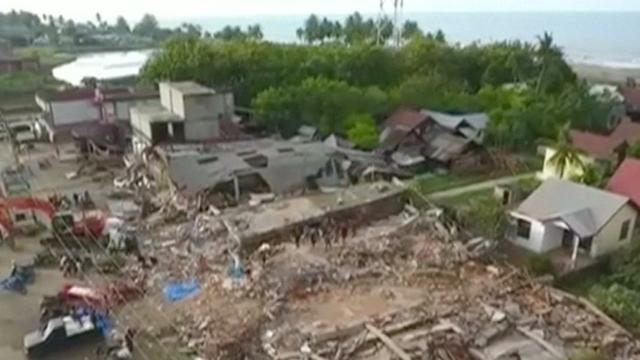 Dronebeelden tonen schade aardebeving Indonesië