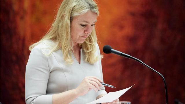 Minister Schultz opent waterberging Volkerak-Zoommeer