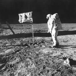 Uniek maanzakje van Apollo 11-missie onder de hamer