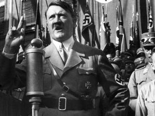 Kunstkenners tonen veel interesse in het werk van nazi-dictator
