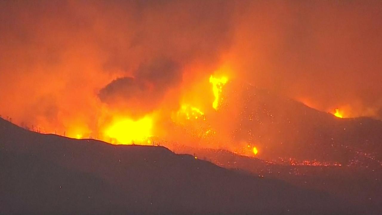 Grote evacuatie om bosbrand VS