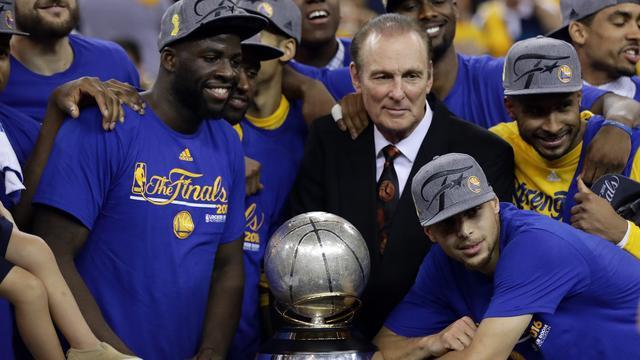 Warriors winnen beslissend duel en plaatsen zich voor NBA-finale