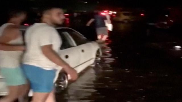Overstromingen en schade in Kos en Bodrum na aardbeving