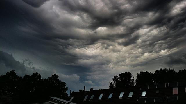 Code geel in Amsterdam vanwege onweer