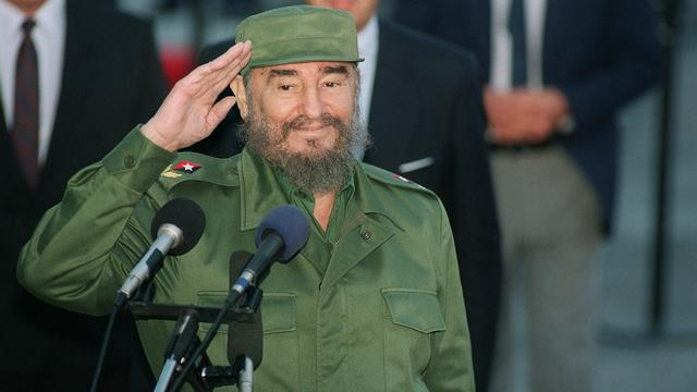 Urn met as Fidel Castro begint aan reis door Cuba