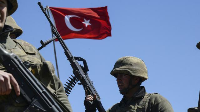 Turkije bestookt stellingen IS en doodt 34 militanten