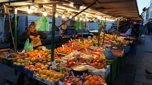 Weekmarkt Fijnaart wordt tijdelijk verplaatst naar Julianastraat