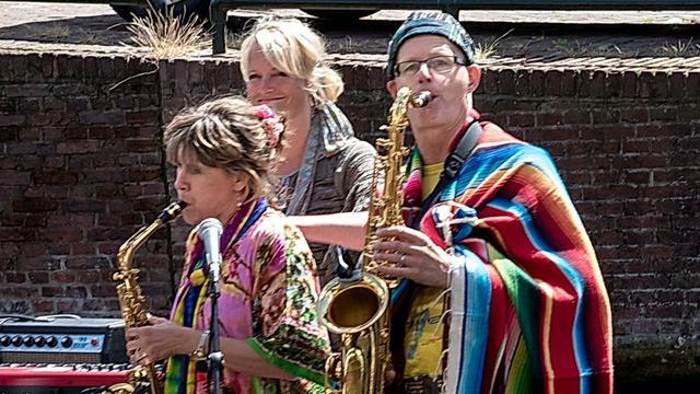 Woodstock Op het Water: Muziek door weer en wind