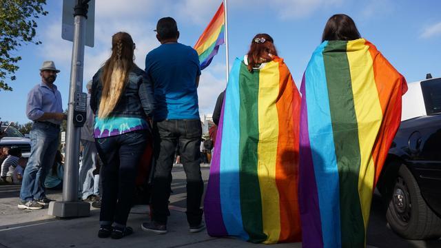 Honderden mensen in Rotterdam bij stille tocht Orlando