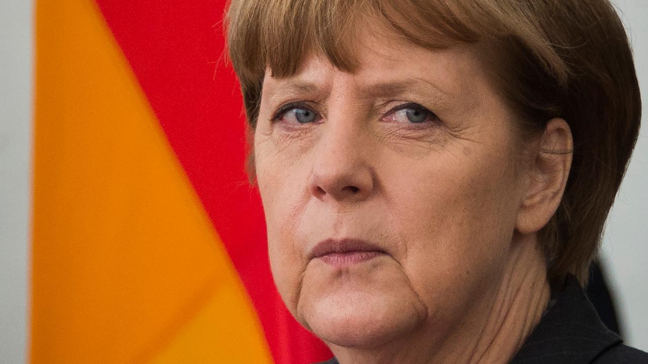 Merkel maakt weg vrij voor vervolging komiek