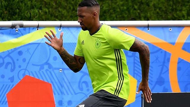Boateng hervat training bij Duitsland in aanloop naar duel met Slowakije
