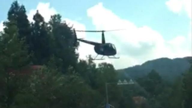 Helikopter maakt noodlanding op Chinese snelweg