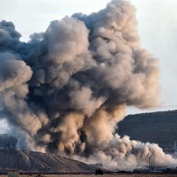 Coalitie bombardeert IS-bolwerk met succes