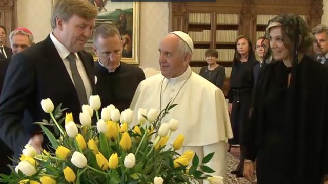 Historische ontmoeting koningspaar met paus in Vaticaanstad