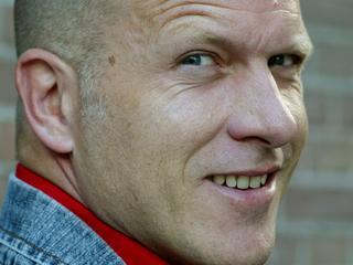Presentator vindt Joop van den Ende ook een 'absolute smeerlap'