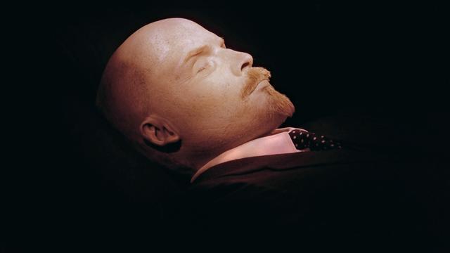 Russisch parlement maakt begrafenis Lenin mogelijk