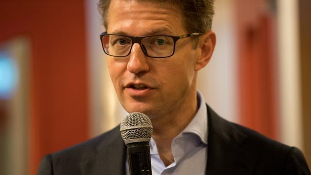 RTL wil volgens Dekker eigen mediacode herzien na ophef hulp-tv