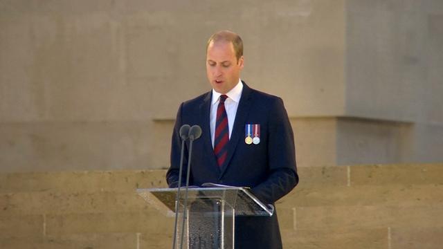 Prins William herdenkt slachtoffers Slag aan de Somme