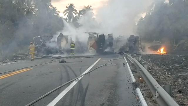 Tientallen doden door ontploffen tankwagen na botsing in Mexico