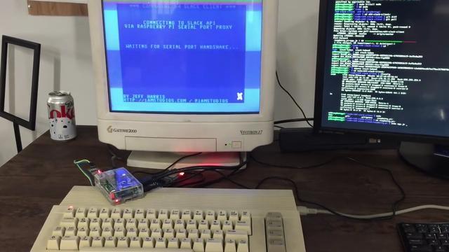 Ontwikkelaar krijgt chatapp Slack werkend op Commodore64