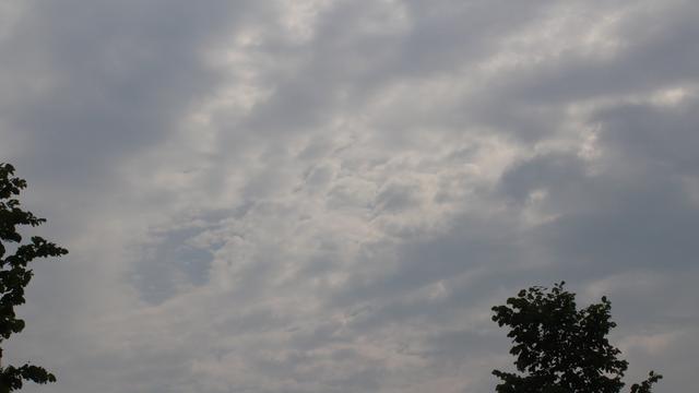 Beginnende windhoos gespot in Alphen aan den Rijn