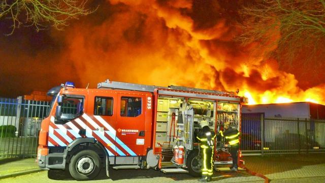Grote brand verwoest partycentrum Tilburg