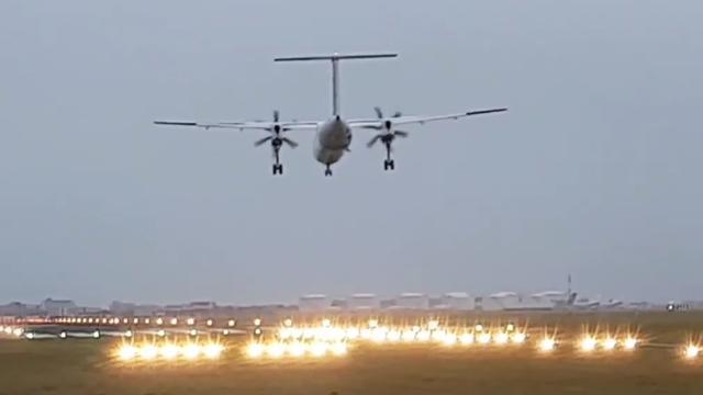 Vliegtuig landt met moeite op Schiphol door afgebroken landingsgestel