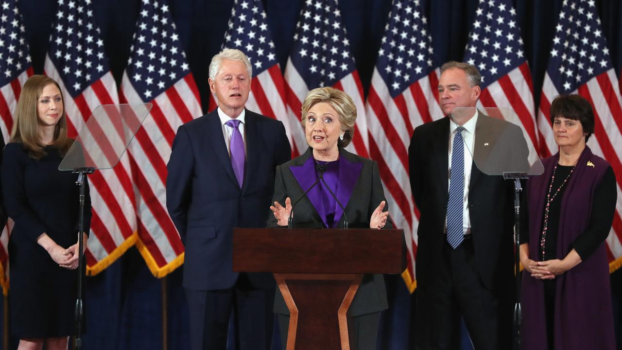 Clinton: 'Het spijt me dat we deze verkiezing niet hebben gewonnen'