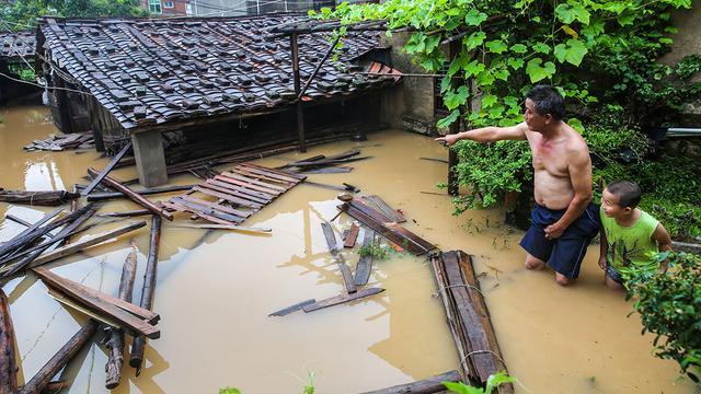 Tyfoon zorgt vooral voor materiële schade in China