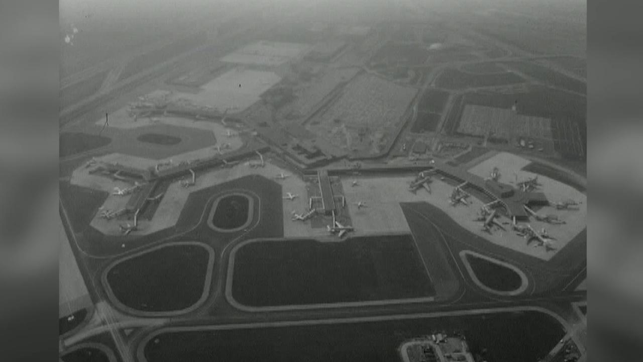 1975: Grote verbouwing Schiphol