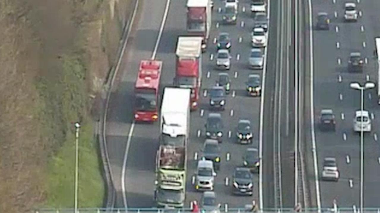 Drukte op snelwegen vanwege dichte Schipholtunnel