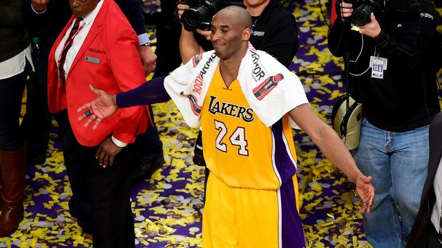 NBA-legende Bryant maakt liefst zestig punten in afscheidsduel