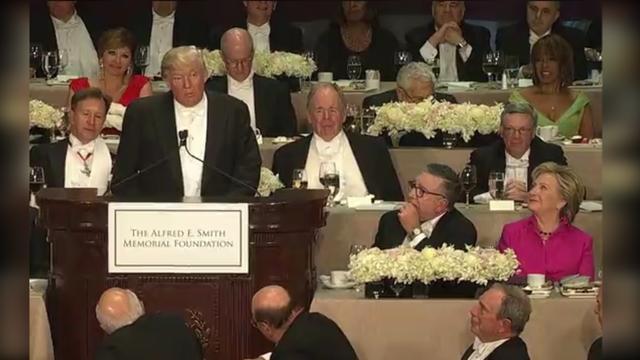 Trump en Clinton maken grappen bij humoristisch liefdadigheidsdiner